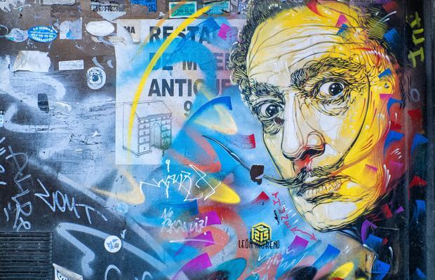 Salvador Dalí por el artista C215